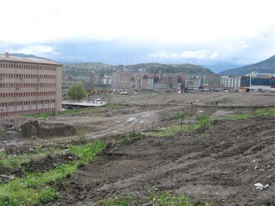 100 Evler yıkıldığında ortaya çıkan manzara